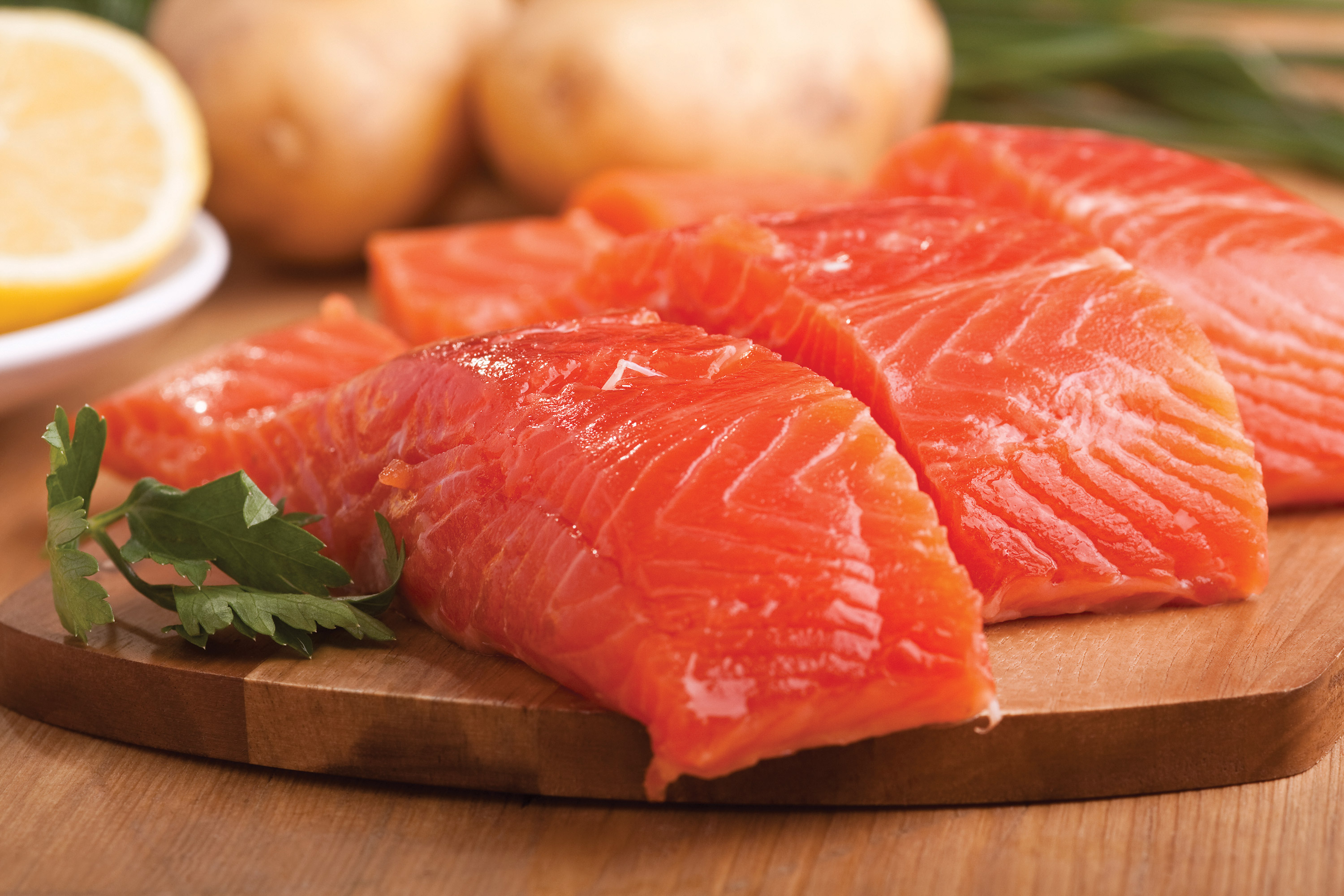 Fotolia_16623130_XL_salmon